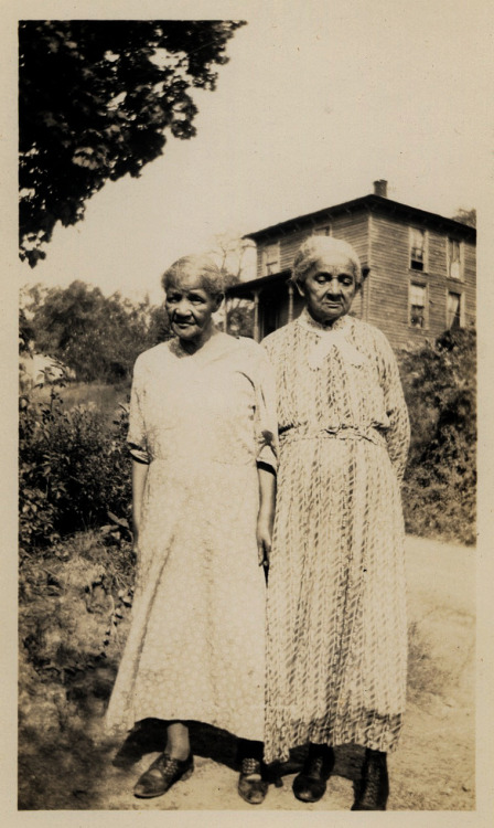 The Elders Richmond, VA [Greene Family Album, 1870-1945] ©WaheedPhotoArchive, 2011