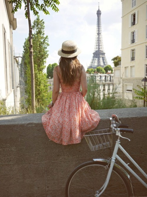 Dreams of Paris, France (via beautiful things / *Valentine*: Bicycle)