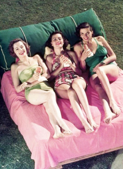 vintagegal:  Jane Greer, Faith Domergue and Jane Russell 1940's