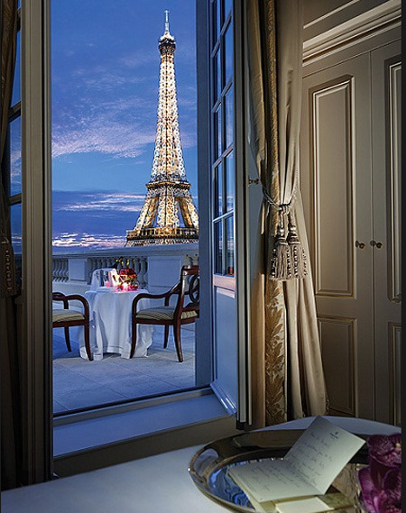 The prettiest view in Paris (via CONIGLIO GIALLO: I want to go there — Voglio andare qui)