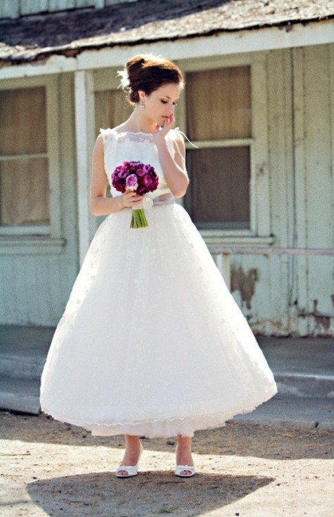 marvelousmatrimony:  What do you guys think of ankle length wedding dresses? I'm not sure, kind of undecided. (via Fhiky)