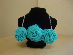 Rose Bib Necklace [Turquoise]