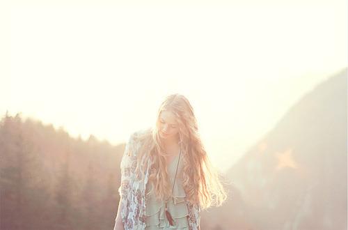 Quando vamos aprender que nossos desejos só nos levarão a lugares indesejáveis? Tenha por prioridade os desejos de Deus, sonhe os sonhos dEle e desfrute de vida em abundância.