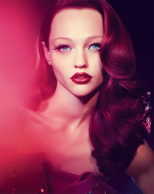 sparksflyfromherfingertips:  Sasha Pivovarova shot by Camilla Akrans. I fucking love this photo.
