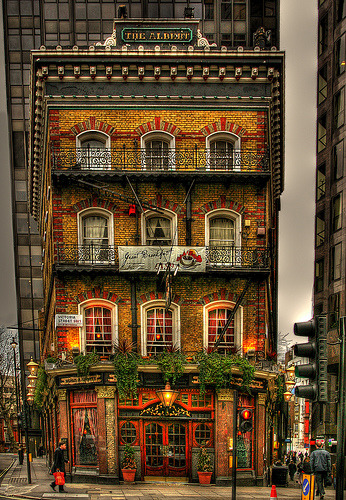 The Albert, pub in London, England (by stocks photography)