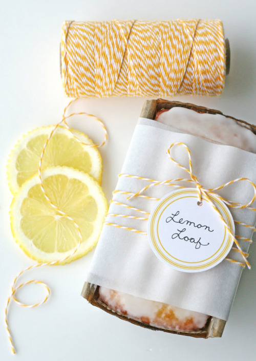 sweeterthantea:  sweepmeup:  Lemon loaf favours  I want to make adorable things like this randomly for people!