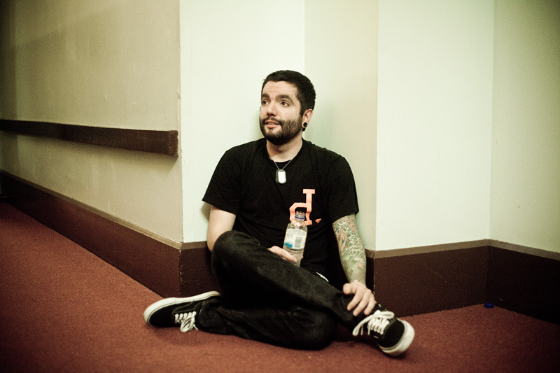 illicitbehaviour:  hartleyphoto:  Jeremy McKinnon. Adelaide.  gah. I love you.