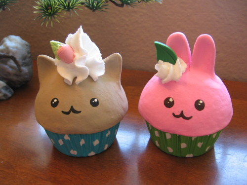 Pastry Pets - variation of my fake cupcakes that I'm working on. These were the first ones. Next time I want to use a smaller tip for the frosting. If you were at Fanime this year, you would have seen them. Had some more kitties and bunnies there :) I'll be selling these online when I launch my Art Fire in a few months.