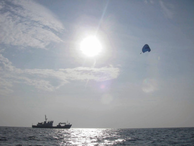 Turns out… Flying Kites Can Save Big Shipping Companies Large amounts of money and reduce emisions… GO KITES!