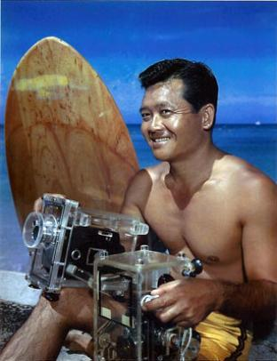 "larboardwatch:  Clarence ""Mac"" Maki, a pioneer of in-water surf photography who designed his own waterproof camera housings, was himself an avid surfer who taught the sport to hundreds of people. from: Pioneer took last Duke Kahanamoku photo"