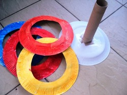 Paper plate ring toss game tutorial.