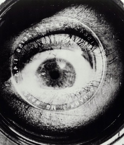 The Man with the Movie Camera (1929, dir. Dziga Vertov) (via)