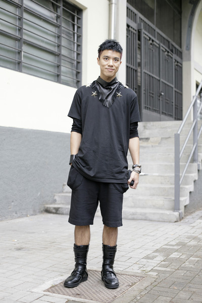 【GIVENCHY 2010 SPRING/SUMMER STAR STUDDED TEE】 TEAMPETERSTIGTER 详情