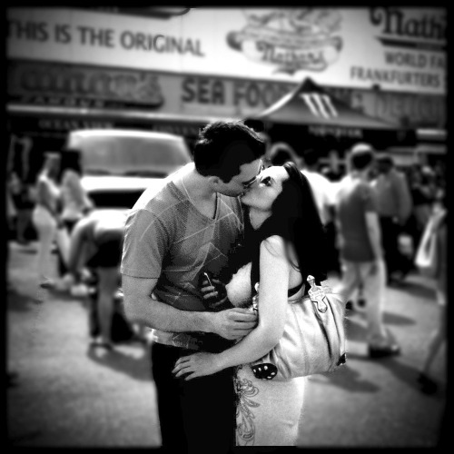 brooklyntheory:  Coney Island Kiss