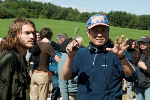 Emile Hirsch and Ang Lee on-set Taking Woodstock (2009)