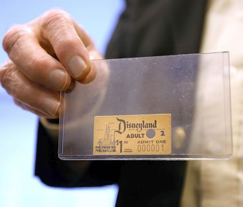 brokenly:  daangmel:   The first Disneyland admission ticket ever sold. It was purchased by Roy O. Disney, Walt Disney's older brother, for $1 in 1955.  perfect  oNE DOLLAR