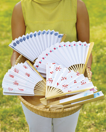 Paper fans, cool and easy ~ the perfect, bright party favor for those hot summer barbeques! How-to's here!