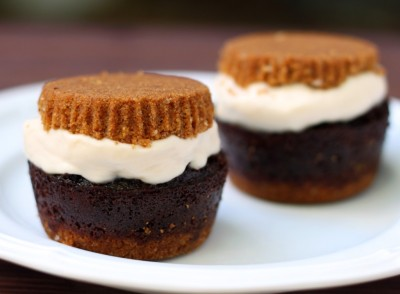 S'mores + cupcake + ice cream sandwich = the perfect summer dessert! Recipe