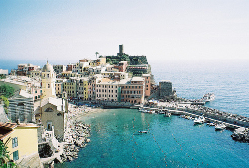 razorbladesalvations:  Vernazza by Josh Chen