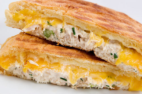boobs-and-sandwiches:  Tuna Melt.