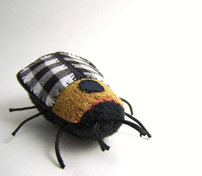 jennybubbletime:  Plaid Textile Bug