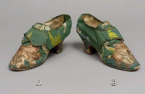 Shoes, ca 1740 United States (Massachusetts), MFA Boston