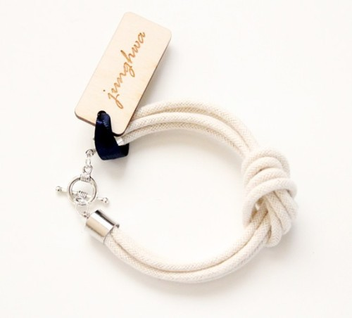 bostonprep:  This bracelet from Etsy is adorable. Love the simple sailor knot, this would look great in a stack!