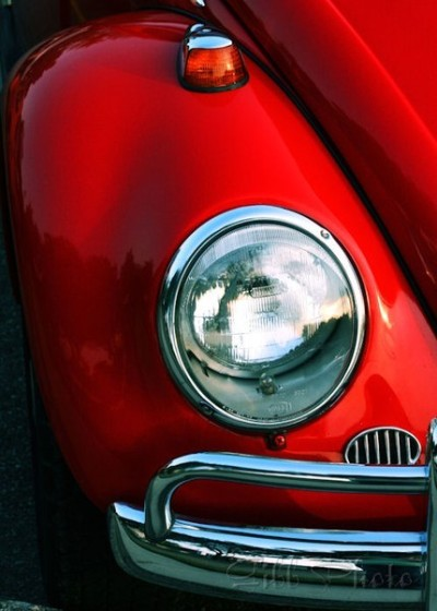 (red vw bug)