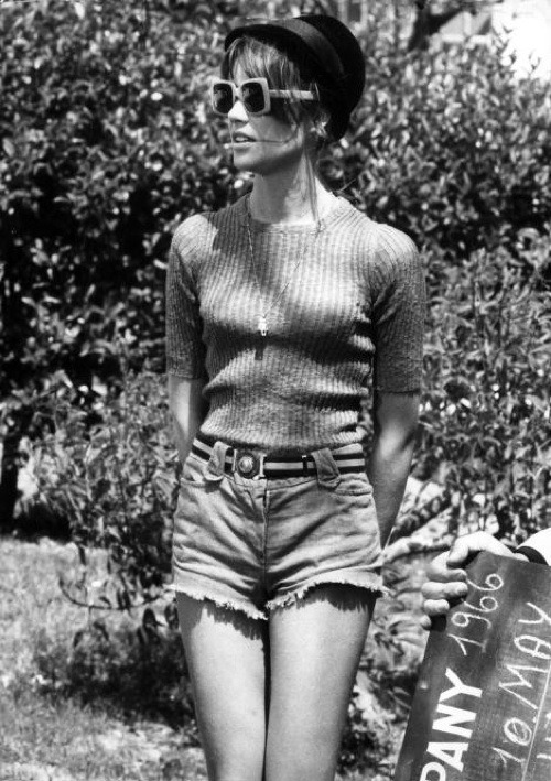 francoise hardy, in perfect summertime style.
