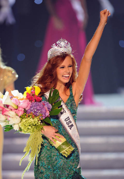 Go, California! Alyssa Campanella celebrates her win as Miss USA 2011.