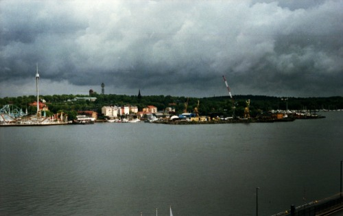 Stormy Stockholm #1 | Shot with a Fed 5 and Agfa Vista 100 (expired 2004) provided by Revolog