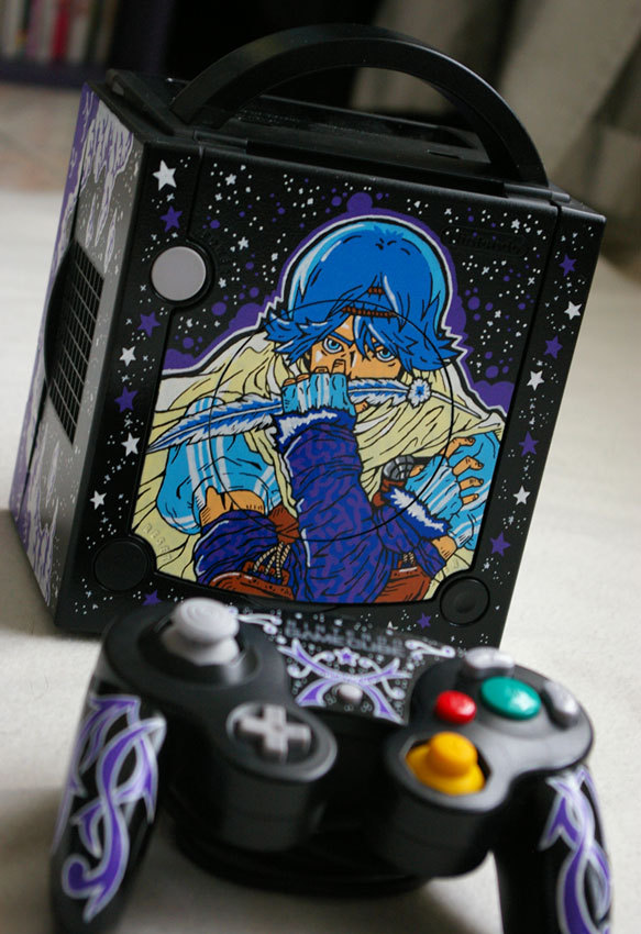 Custom Baten Kaitos GameCube by OSKUNK. I must confess, I own Baten Kaitos, but I've never actually played it - one of many games in my pile of shame. Is it any good? Check out more OSKUNK posts!
