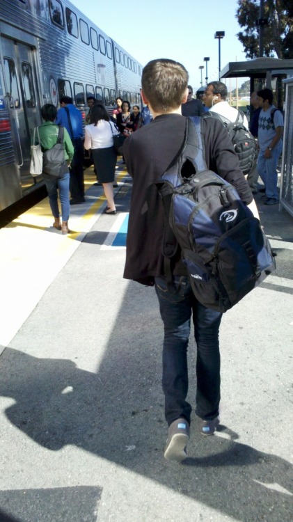Hey hipster, is that a Halo 2 backpack? Is it ironic or retro? Let me rephrase: are you an asshole or an idiot?