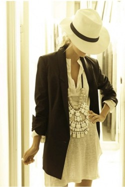 bettysfashioncorner:  (via Style Inspiration / Classy-in-the-city)