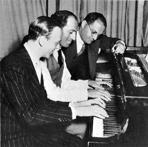 awesomepeoplehangingouttogether:  Fred Astaire with George and Ira Gershwin