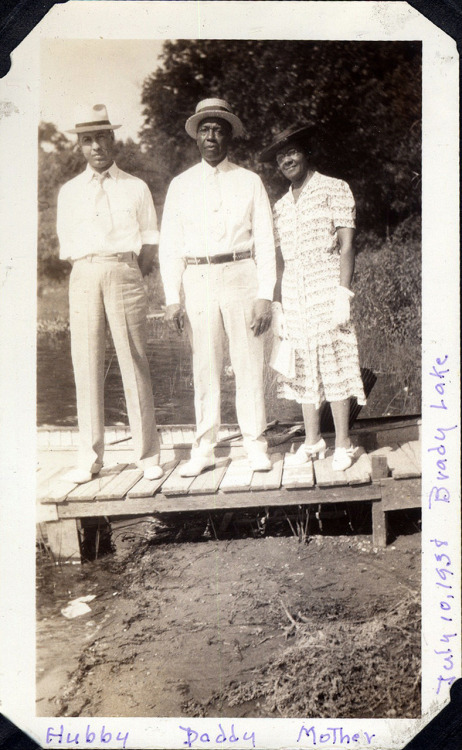 Hubby, Daddy & Mother July 10, 1938 * Brady Lake, Ohio [Saulsberry Family Album] ©WaheedPhotoArchive, 2011