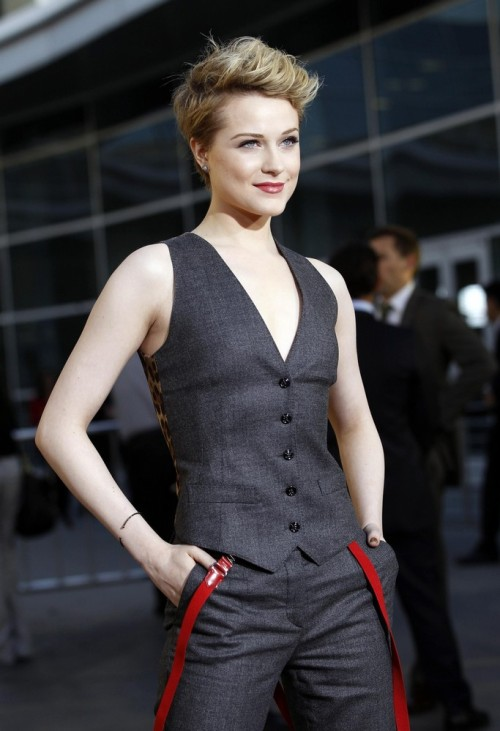 avocadosalad:  lavenderlines:jhameia:suicideblonde:    Evan Rachel Wood at the season four premiere of True Blood last night in LA    so many feelings in my pants.