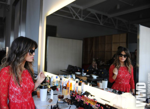 womensweardaily:  Sunglass Hut Takes Rachel Bilson Global   love her hair. love her sunnies. LOVE her dress.