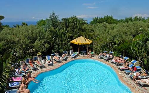 A pleasant stroll away from the historic center of Anacapri, Hotel Villa Eva is the perfect place in which to experience the essence of the island of Capri.