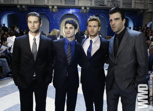 womensweardaily:  Front Row at Versace Chace Crawford, Darren Criss, Ryan Kwanten and Zachary Quinto