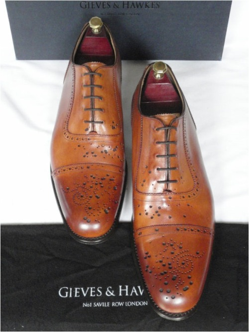 …must resist must resist must resist… Gieves & Hawkes Buckshot Brogues on ebay. Thanks to Put This On for the heads-up.