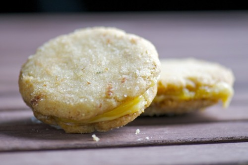 Vegan rosemary lemon sandwich cookies from One Green Planet! See, this is great. I wonder who first thought of making sandwiches with cookies. It's genius. Like, forget about bread, I got COOKIE sandwiches! Everybody must have freaked.