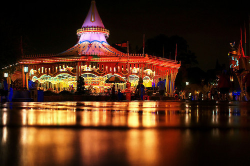 Disney - Cinderellas Golden Carousel at Night by Express Monorail on Flickr.
