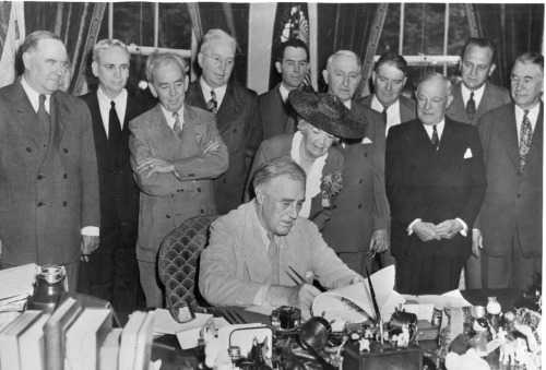 ourpresidents:  Franklin D. Roosevelt signed the G.I. Bill on June 22, 1944.  The Servicemen's Readjustment Act, also known as the G.I. Bill of Rights, offers educational assistance to veterans.  You can visit This week in Roosevelt History for more milestones and photos from the Roosevelt Presidential Library.