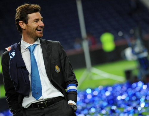 thechelsearoar:  Andre Villas Boas, the new manager of Chelsea FC.  and ex-manager in two seasons when he doesn't win the CL and England's Brave and Loyal (Yet Washed Up) John Terry undermines him before AVB can sell him off.