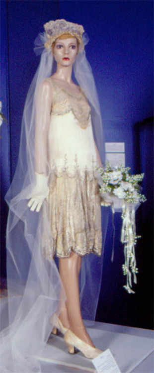 LADY IN OFF-WHITE - MORE WEDDING STUFF!