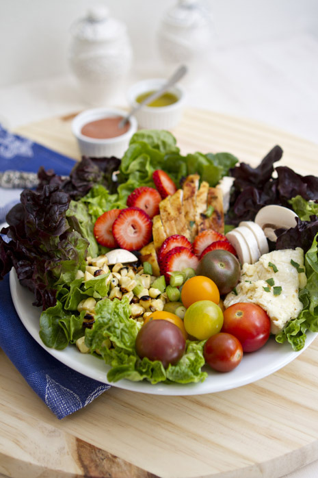 gastrogirl:  grilled chicken salad with strawberry vinaigrette.