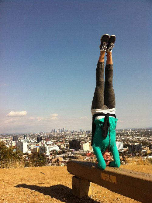 Los Angeles headstand