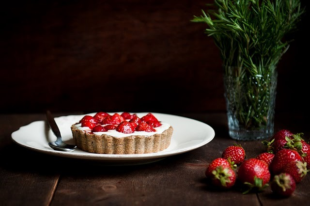 (via Desserts for Breakfast: Strawberry and Rosemary-Caramel Buckwheat Tart)