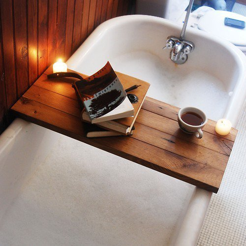 Books and Bubblebath. Coffee and candles. Yummy life. :)